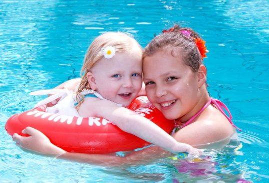 Круг для купания новорожденных – плаваем без страха